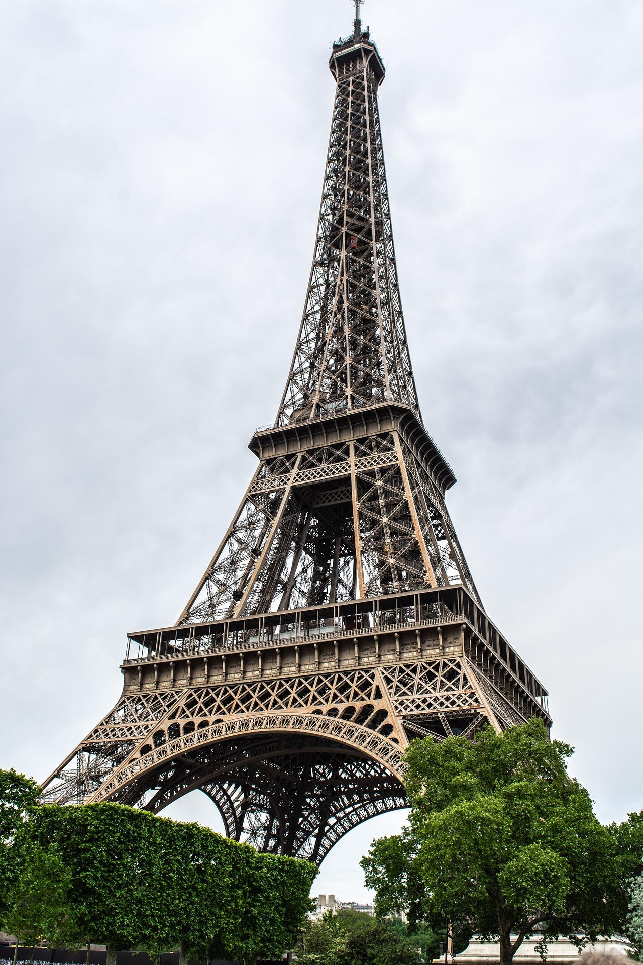 paris-3681599_1920